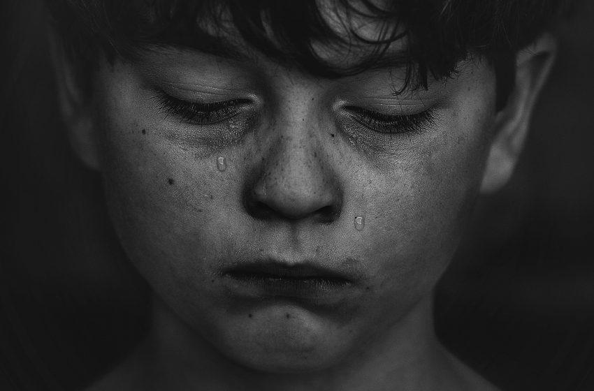 דמעות על בד