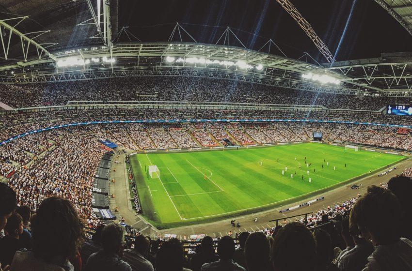אצטדיוני כדורגל באירופה ושחקנים