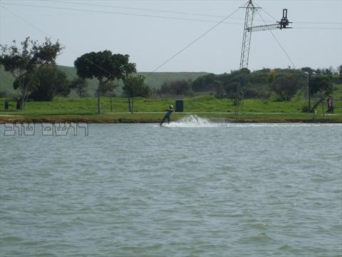 סקי מים בתל אביב