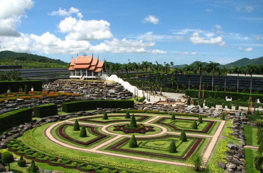 תאילנד פטאיה הופעה בגנים בוטניים