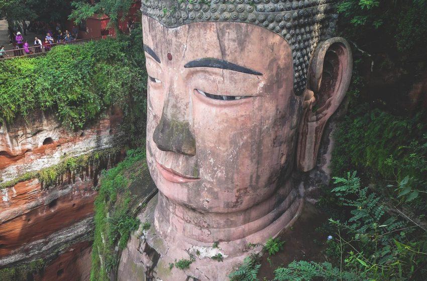 סין העיר לישאן הבודהה ענק